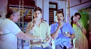 Seethamma Vakitlo Sirimalle Chettu Mahesh and Venkatesh