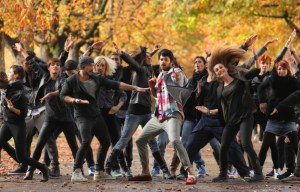 mirchi_movie_prabhas dancers