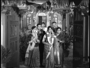 Mooga Manasulu-married