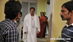 Gouravam-Prakash Raj and brothers