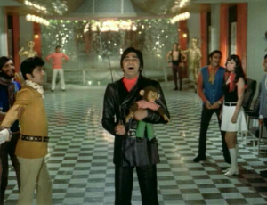 Geeta-Mera-Naam-evil laugh