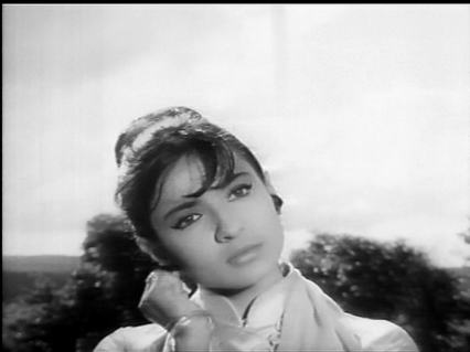 Bhoot-Bungla-Tanuja as Rekha