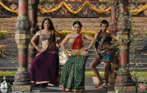 Rudramadevi-girl time