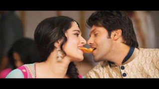 Inji Iddupazhagi-Sweety and Abhi 2