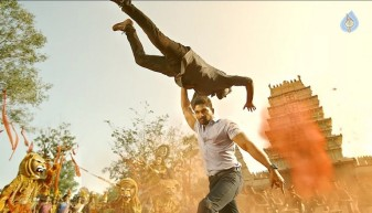 sarrainodu fight scene 1