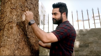 Janatha Garage - he talks to the trees