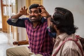 gandhi-impressing-karmeghakuzhali