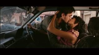 Delhi Belly-The kiss