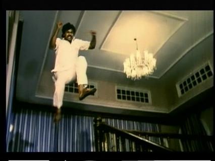 Khaidi No 786-leaping