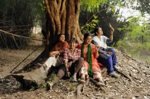 magalir-mattum-the ladies