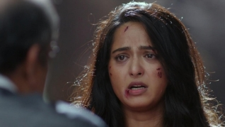 Bhaagamathie_wounded and scared
