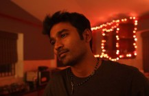 Enai Noki Paayum Thota Movie Actor Dhanush HD Images